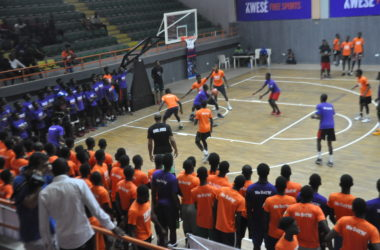 Kwese Free Sports hosts youth basketball clinic featuring former NBA player Jerome Williams